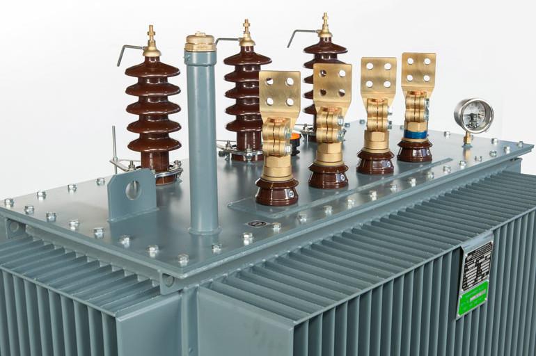 trasformatore-trifase-in-olio-sigillato